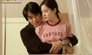 Những đôi tay hành xử kém duyên của sao nam Hàn