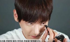 Netizen Hàn bàn luận chuyện nam sinh cũng trang điểm tới trường