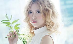 Hot girl cover hit Sơn Tùng xinh như búp bê Tây