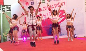 Bạn trẻ quẩy tung trời trong đại tiệc Zumba lớn nhất Hà thành