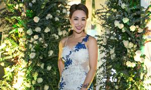 Uyên Linh yểu điệu giữa vườn hồng lớn nhất Việt Nam