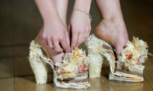 Những đôi giày có 1-0-2 trên thế giới