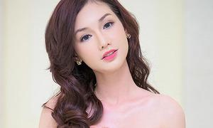 Quỳnh Chi xinh như búp bê