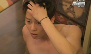 Đố vui Kpop: Park Seo Joon đóng cảnh nóng với sao nào?