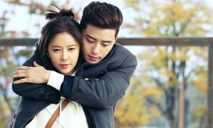 Những cảnh ôm đằng sau lãng mạn trong phim Hàn 2015