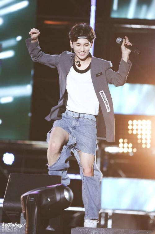 nhung-mau-quan-jeans-kho-dinh-nghia-cua-sao-han-4