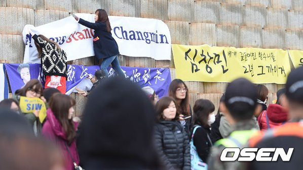 si-won-chang-min-rang-ngoi-khi-len-duong-nhap-ngu-10