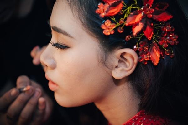 Sáng nay 19/11, hot girl Hà thành Hà Mjn và bạn trai Minh Đức đã tổ chức tổ chức lễ ăn hỏi và xin dâu ở quê nhà Hưng Yên của cô dâu