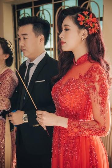 Mãi đến tết năm 2014, bạn trai của Hà Min mới nối liên lạc được với cô nàng nhờ sự giúp đỡ của bạn học cũ. Cả hai chính thức hẹn hò khi Hà Min tỏ tình với bạn trai vào dịp 1/4 năm đó.