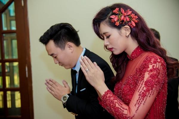 Trước đó, Hà Min và  Bộ ảnh cưới lãng mạn của Hà Min và bạn trai Minh Đức được chụp tại Thái Lan cũng đã khiến người hâm mộ được một phen xuýt xoa vì ghen tị.