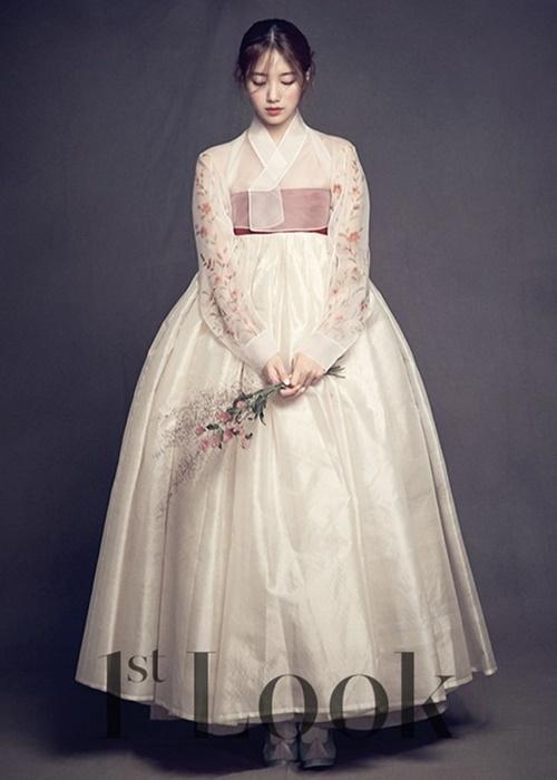 suzy-doi-dau-ban-sao-seol-hyun-trong-tao-hinh-hanbook-3