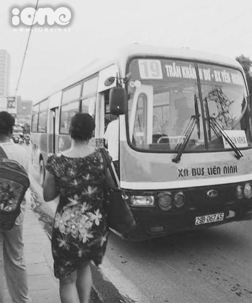 co-giao-xe-bus-dang-yeu-cua-chung-to