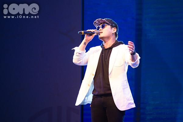 fan-tao-bien-anh-sang-ho-het-lien-tuc-khi-gap-haha-bang-xuong-bang-thit-5