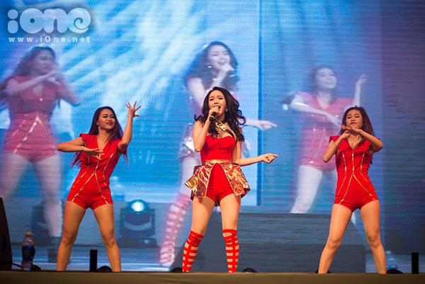 fan-tao-bien-anh-sang-ho-het-lien-tuc-khi-gap-haha-bang-xuong-bang-thit-9