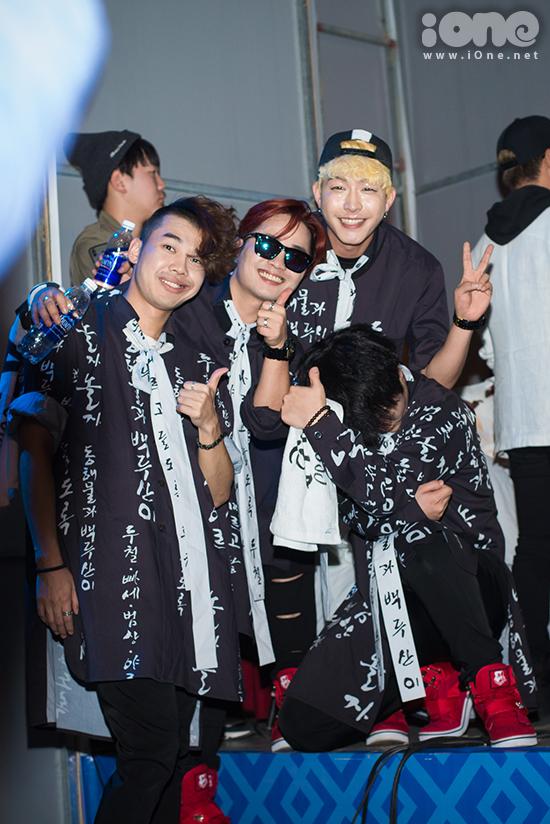 fan-tao-bien-anh-sang-ho-het-lien-tuc-khi-gap-haha-bang-xuong-bang-thit-12