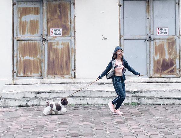 xi-ta-hot-girl-viet-lang-xe-mot-nao-trong-street-style-tuan-qua-5