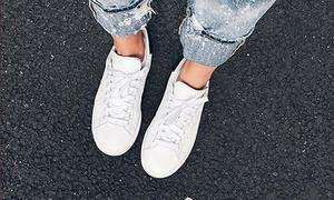 10 đôi giày bệt bất hủ tín đồ thời trang nào cũng quen mặt