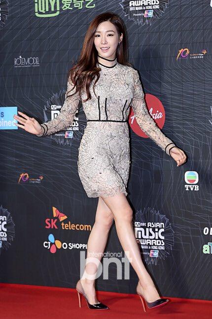 tae-yeon-goi-cam-exo-trang-diem-dam-tai-mama-2015-6