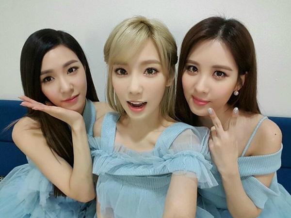 sao-han-8-12-hyo-rin-khoe-body-nong-bong-dara-pose-hinh-cung-2ne1-4