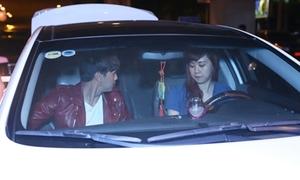 Hồ Quang Hiếu được em gái lái xe tiền tỉ đưa rước