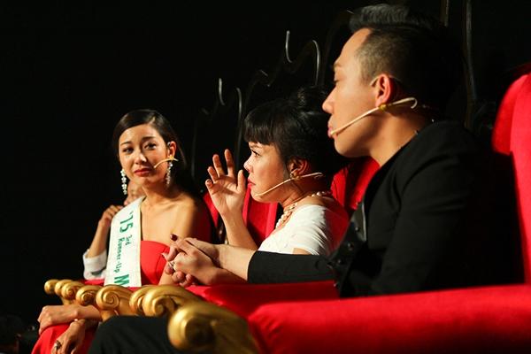 Bằng khiếu dàn dựng cũng như lối diễn xuất tự nhiên, Huỳnh Lập đã tạo ra không ít tiếng cười cũng như lấy được những giọt nước mắt xót thương, đồng cảm của khán giả và cả 4 vị giám khảo khi kể về cuộc đời làm nghề thăng trầm của những người nghệ sĩ.
