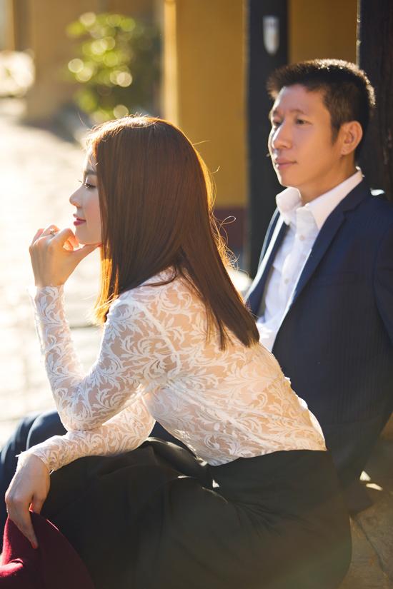 Sau một thời gian dấu kín ông xã, mới đây Á hậu Diễm Trang đã chính thức giới thiệu người bạn đời đến với công chúng và người hâm mộ.