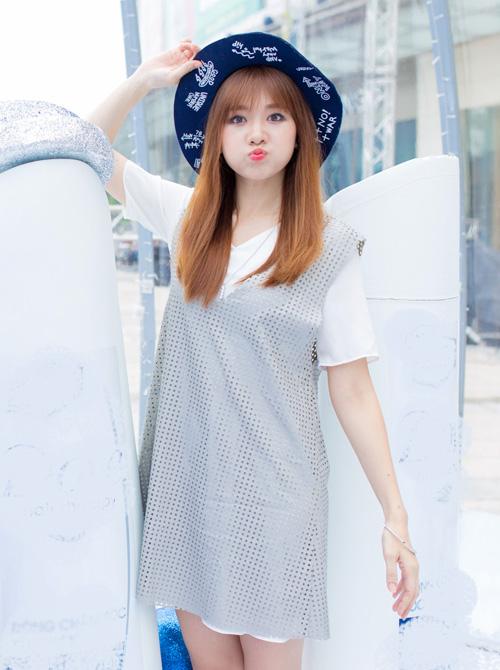 hari-won-phong-ma-chu-moi-khoe-ve-xi-tin-tuoi-30-4