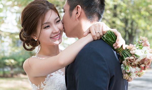 Ảnh: Luciola Nguyễn Stylist: Nguyễn Hồng Hạnh Make up: Phước Lợi.