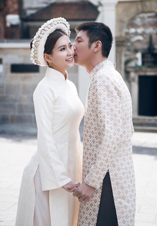 Bộ ảnh được thực hiện trong những ngày giá lạnh của Châu Âu, Diễm Trang và ông xã đã rất vất vả để có được những tấm ảnh đẹp nhất. Địa điểm là nơi mà cặp đôi đã đi qua và có nhiều kỷ niệm nên đã cùng ekip đến để chụp lại.