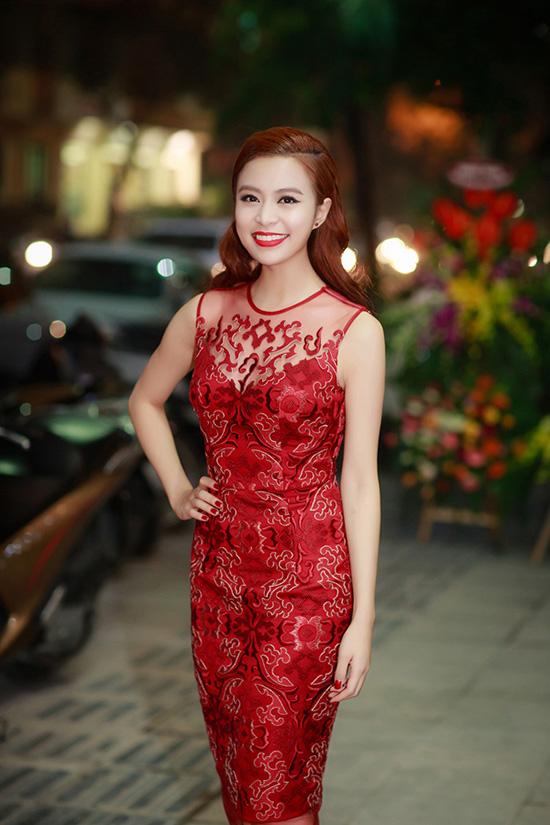 sao-style-24-12-pham-huong-xach-tui-tram-trieu-trang-khieu-vay-lam-bn-6