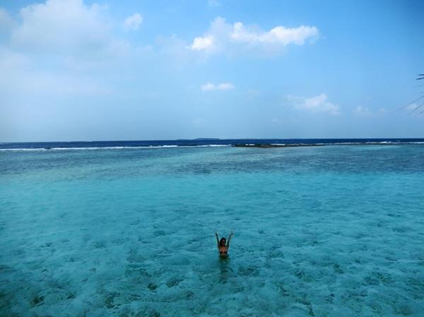 huyen-baby-tha-dang-sang-chanh-o-maldives-8