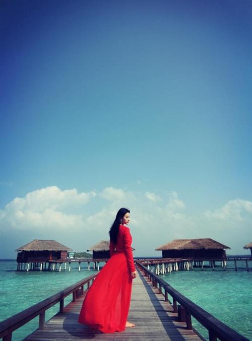 huyen-baby-tha-dang-sang-chanh-o-maldives-1