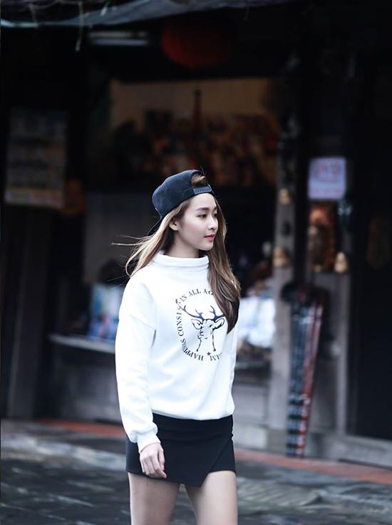 street-style-khac-biet-thoi-tiet-cua-sao-hot-girl-viet-hai-mien-2