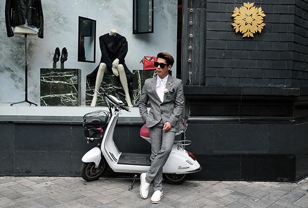 stylist-cua-minh-hang-goi-y-mix-do-chat-lu-di-choi-cuoi-nam-9