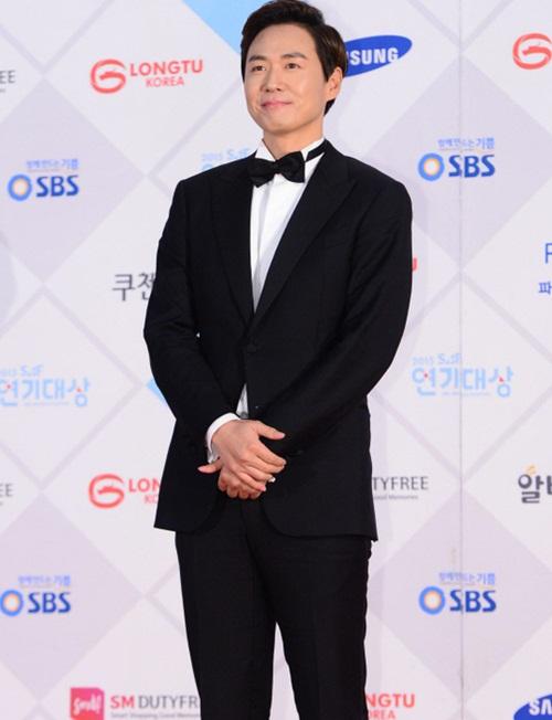 kim-yoo-jung-kim-tae-hee-dep-khong-goc-chet-o-sbs-drama-award-10