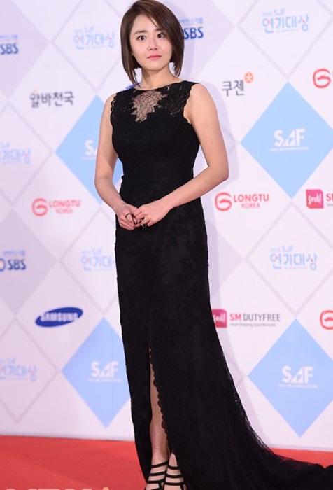 kim-yoo-jung-kim-tae-hee-dep-khong-goc-chet-o-sbs-drama-award-6