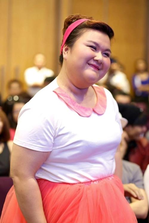 Tham gia Bước nhảy ngàn cân là một quyết định sáng suốt của Thủy Tiên khi cô nàng không chỉ được ở trong một môi trường tập luyện giảm mỡ mà còn cai nghiện được khâu thèm ăn. Sau 3 tháng gắn bó với chương trình cân nặng mà Thủy Tiên giảm được lên đến con số 40kg. Đây là con số kỷ lục từ trước đến nay cô nàng chưa dám nghĩ tới.