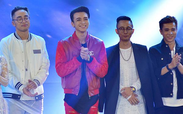 Lời nhận xét của giám khảo giúp Soobin và team gồmProducer Rhymastic - DJ Jin - Biên đạo Antei