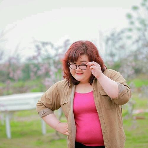 Thân hình quá cỡ của Thủy Tiên từng khiến cô nàng tự ti khi bị nhiều người chỉ trỏ, phán xét khi ra đường. Thậm chí vì quá béo nên Thủy Tiên từng bị người yêu bỏ. Khoảng thời gian này, Thủy Tiên từng lập được một kỷ lục cho bản thân là giảm được 20kg nhưng vì quá chán nản nên cô lại tìm đến đồ ăn và số cân nặng lại quay lại cột mốc ban đầu. Thủy Tiên từng bị nhiều người chế bai kiểu ôi béo thế khiến cô nàng luôn tự thấy bản thân mình như cái thùng phi di động.