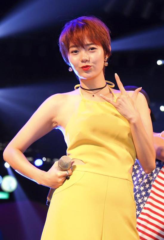 sao-viet-9-1-phan-anh-cau-hon-lan-khue-minh-hang-bat-ngo-xuong-toc-tem-7