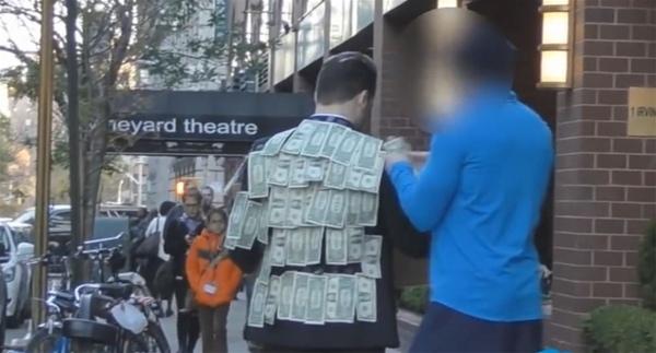 Video thử nghiệm đo lòng tham con người ở New York.