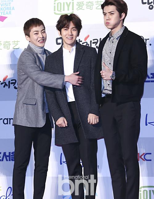 exo-lam-mat-cute-seoul-music-award-2