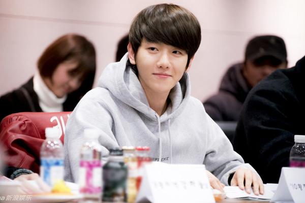 Đây là bộ phim truyền hình đầu tay của thành viên EXO Baek Hyun, anh chàng   tỏ ra khá thoải mái với vai diễn hoàng tử thứ 10.