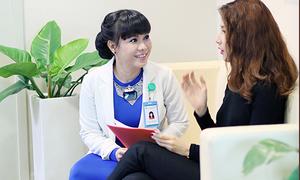 Việt Hương 'đua' hàng hiệu khi đóng phim cùng Diễm My 9x