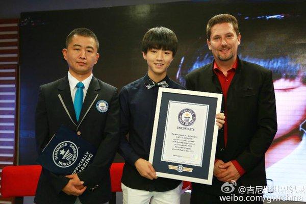Vương Tuấn Khải là ngôi sao trẻ nhất Trung Quốc được ghi tên vào sách kỷ lục Guiness thế giới với bài post trên mạng xã hội Weibo đạt lượt chia sẻ hơn 42 triệu.