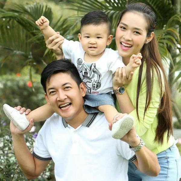 Sau khi ly hôn, Diệp Bảo Ngọc và Thành Đạt vẫn giữ quan hệ bạn bè, và anh vẫn làm tròn trách nhiệm với con trai.