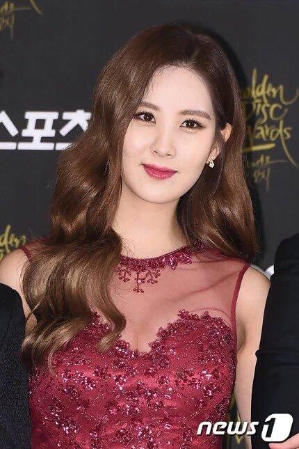 seo-hyun-do-dang-cung-seol-hyun-hani-o-tham-dogolden-disk-award