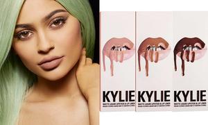 Set son của Kylie Jenner chưa đầy một phút đã 'cháy hàng'