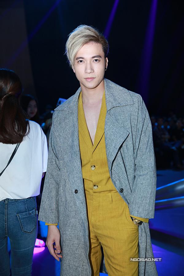 ky-han-mac-hong-quan-lan-dau-cong-khai-song-doi-10