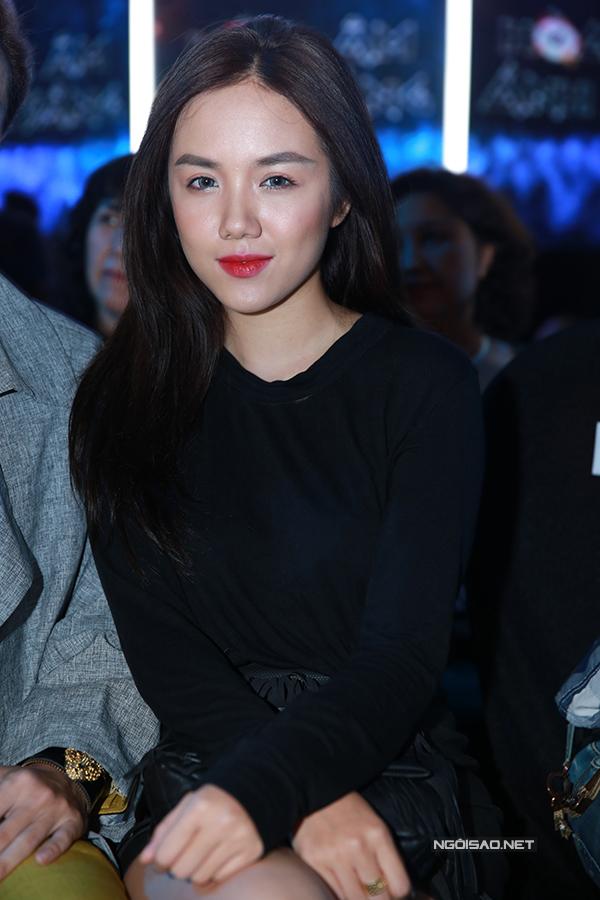 ky-han-mac-hong-quan-lan-dau-cong-khai-song-doi-11